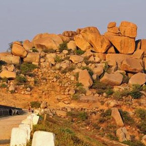 bouldering in india : The Hampi Adventure
